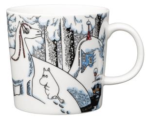 Vinter säsongsmugg i begränsad upplaga från Arabia 2016. Snöhästen Muminmugg. Rymmer 30 cl och är designad av Tove-Slotte Elevant. 225 kr